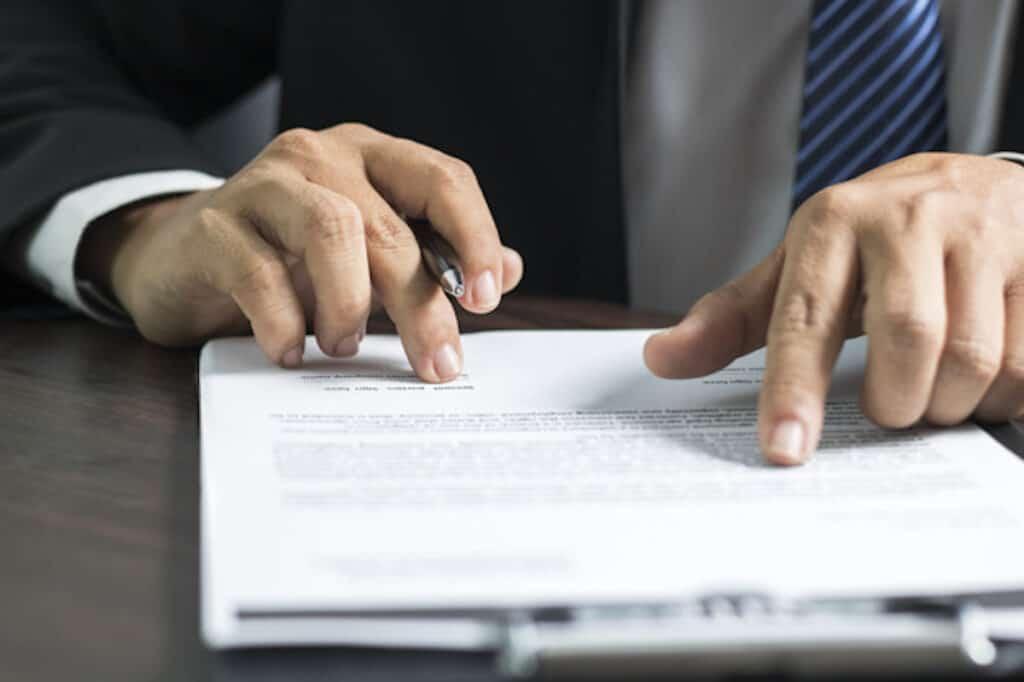 会社員と個人事業主で兼業する場合の社会保険